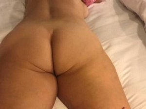 Woude thick escorts Palmetto Bay, FL