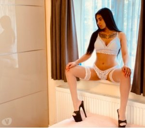 Anne-emmanuelle black escorts in Crestwood, MO
