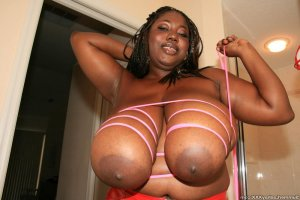 Ghislene black escort girl Camden, NJ